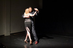 Jonathan y Olivia performing at The Garage in S.F. CA in the tango apilado embrace